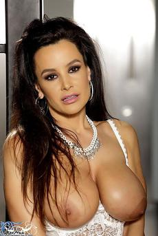 Lisa Ann Is Laced Up And Ready 12