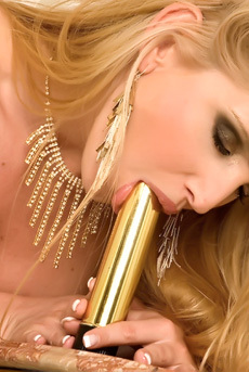Sandra Shine Golden Dildo
